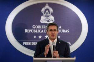 Para Imigran Menginginkan Presiden Honduras Orlando Mundur dari Jabatannya